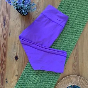 Nike golf M tour performance purple capris